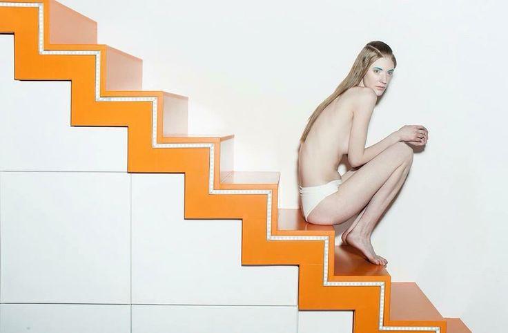 Photo: Balazs Koch MakeUp: Zita Szlameniczky  Hair: Gabriella Halasi-Szabo Styling: Carmen Rozsa Model: Edit@Icon
