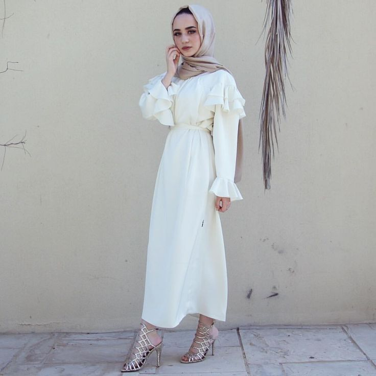 "9,253 mentions J'aime, 128 commentaires - Jawaher Badr (@jawaherrbrr) sur Instagram : ""How beautiful is this @noorthelabel dress for eid? """