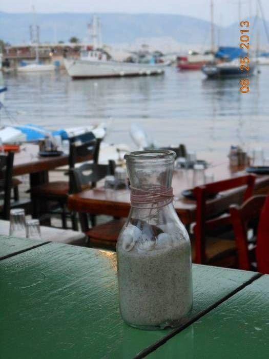 IOANNA G. - U.S.A-ΕΚΠΡΟΣΩΠΟΣ ΤΗΣ ΕΛΛΑΔΑΣ:A tavern with a view in Faliro.