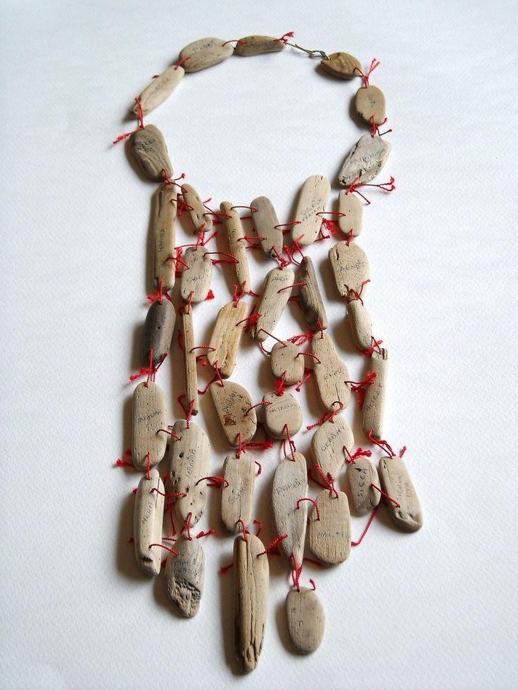 "Helga Ragnhildur Mogensen, ICL Nackstycke ""The Red Thread"", 2010, drivved, garn, silver."