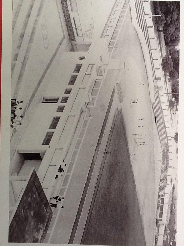Vista parcial da pista de Atletismo do Colégio Estadual do Paraná (curva sala de musculação), década de 50.