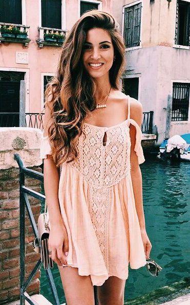 street style / pink lace dress