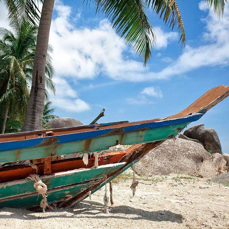 """""""Старые лодки всегда такие фактурные, интересные и художественно-потертые, так бы и утащила к себе в дом!…"""""""