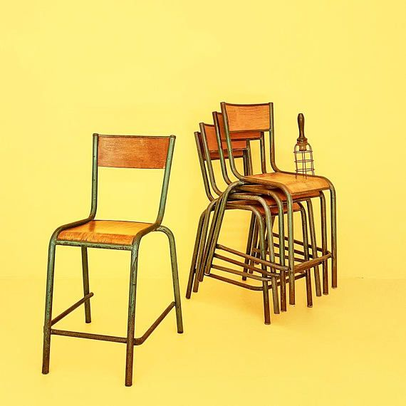 10 Sedie Vintage di una vecchia scuola francese vendibili #old #school #chair #chairs #wooden #french #vintage