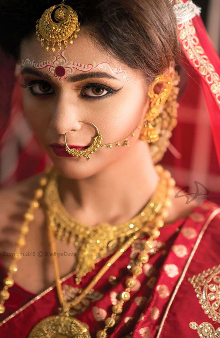 Bengali bridal gold jewellery - Bengali Bridal Makeup With 10 Amazing Pics And Videos