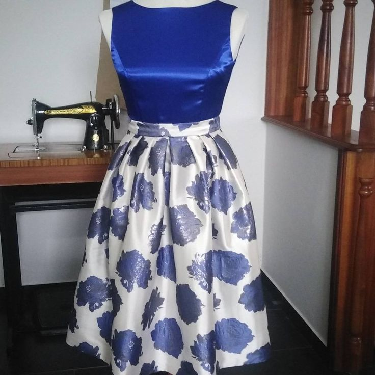 A frankenpattern mash-up of the Lizzie Skirt and Elsie Dress bodice with an altered neckline, both patterns from Sew Over It