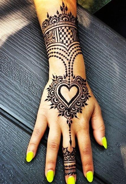 Hugh fan of this henna design!