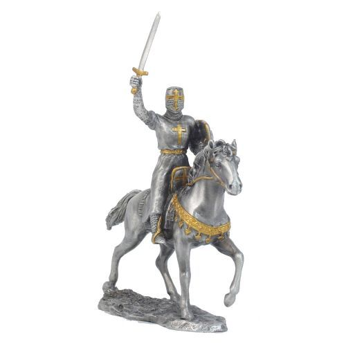 A highly collectable piece of historical memorabilia, this exquisite model features a medieval knight in full military regalia posed on a horse standing ready for battle.