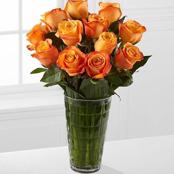12. Kytica oranžových ruží