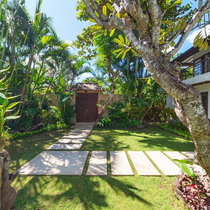 Just a little peek at one of Kubu's 3-bedroom villas through its lush gardens... ☀️🌴🍀❤️‍  www.villakubu.com #villakubu #villa16 #seminyak #gardens #love #wanderlust #sanctuary #islandlife #paradise #balivilla