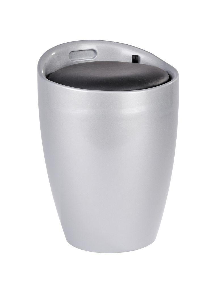 WENKO Hocker Candy Silver Badhocker mit abnehmbarem Wäschesack  Description: Der trendige Badhocker und Wäschesammler Candy ist aus stabilem ABS-Kunststoff gefertigt. Mit seinem trendigen Silber wird das moderne Accessoire zum Hingucker in jedem Bad. Viel Stauraum für Wäsche bietet der praktische Badhocker unter der Sitzfläche. In dem herausnehmbaren Wäschesack finden dekorativ 20 Liter Wäsche Platz bis zum nächsten Waschgang. Die großzügige gepolsterte Sitzfläche lädt jederzeit zum Sitzen…