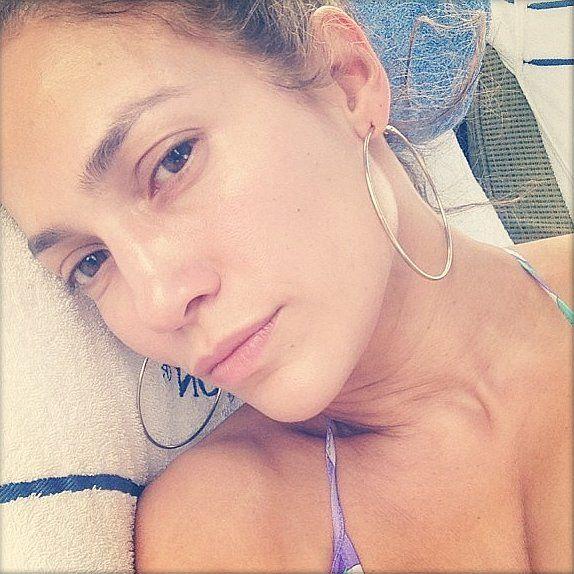 Jennifer Lopez shot this makeup free selfie!