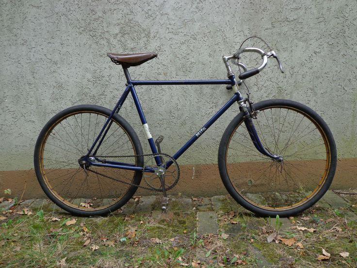 die besten 25 vintage rennrad ideen auf pinterest retro rennrad fixed gear und fahrrad mit. Black Bedroom Furniture Sets. Home Design Ideas