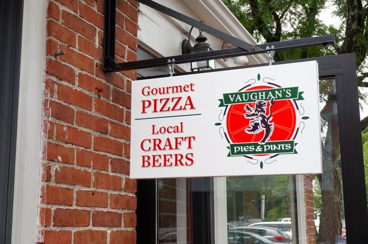 Johnny Vaughan Brings Unique 'Pies & Pints' to West Hartford Center