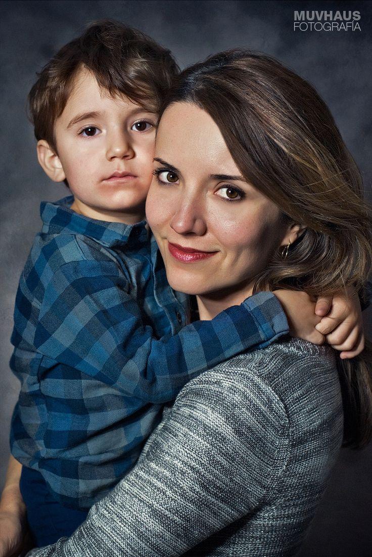 Mother and son. Madre e hijo. Fotógrafa en Valencia, España.
