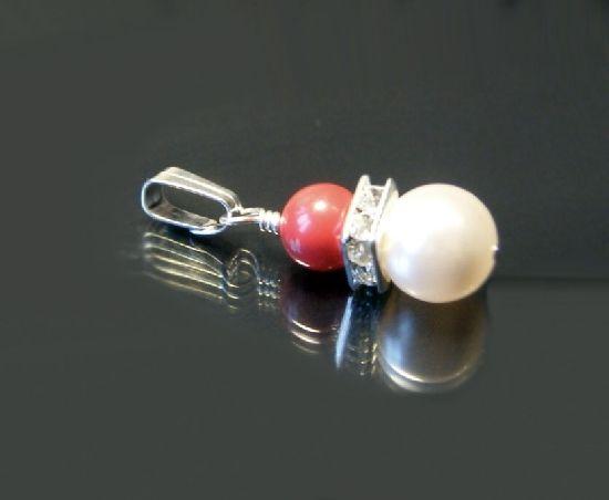 Martisor pandantiv din perle Swarovski alb si rosu coral, si margele rhinestones, placat cu argint Cod M11S, by BanaDesigns, 10 Lei