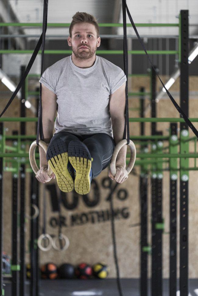 Los cinco mejores ejercicios para trabajar tu abdomen en anillas