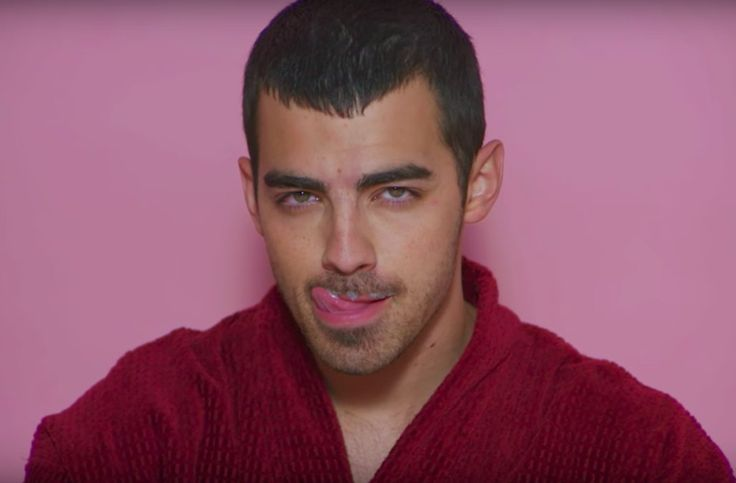 Charli XCX's new video 'Boys' stars Joe Jonas, Wiz Khalifa, Diplo, many more (Watch)