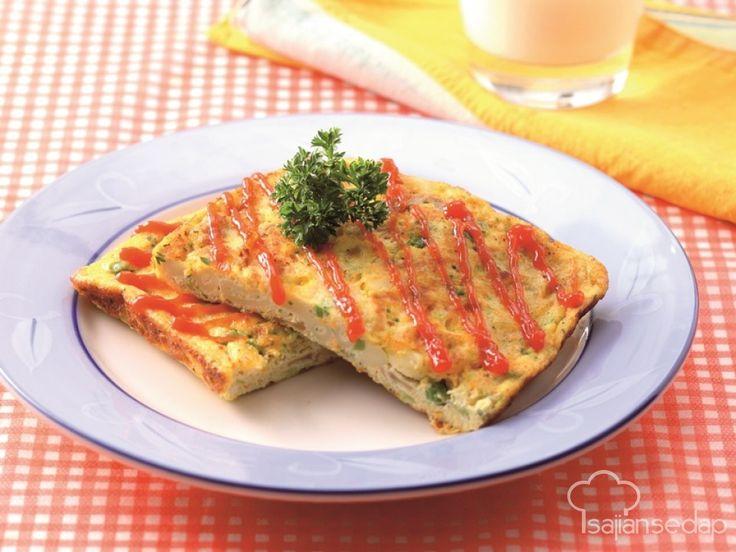 Walaupun hanya berbahan dasar telur, kita bisa juga, kok, membuat sarapan yang mewah. Jangan lupa untuk menambah sayuran agar tetap bergizi. Cek resep Macaroni Vegetable Omelet berikut ini.