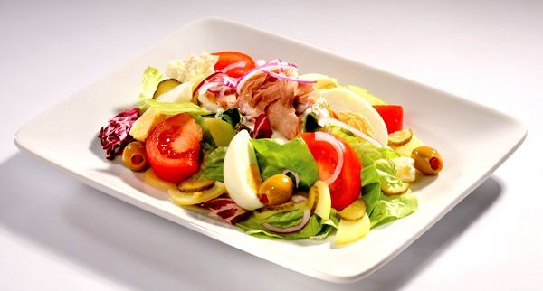 Салат с тунцом, рецепты салатов из тунца