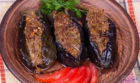 طريقة عمل قوارب الباذنجان باللحمة المفرومة Food Meat Pork
