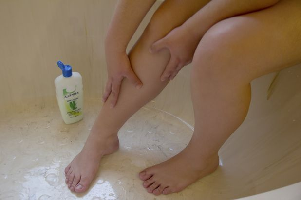How to Get Rid of Dark Pores on Legs | eHow