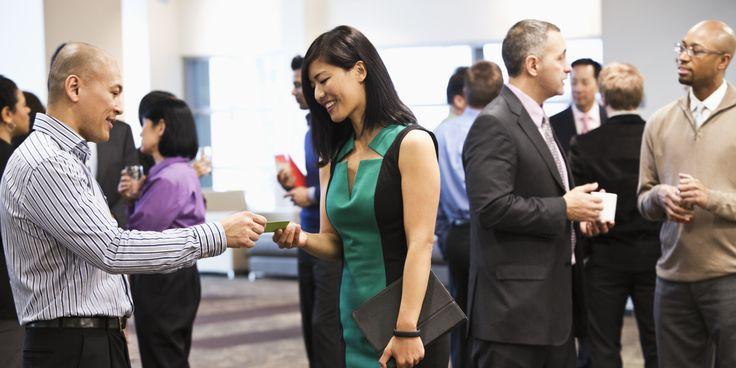 Conhecer as pessoas certas pode ser a chave do sucesso. Veja como ampliar sua rede de contatos.