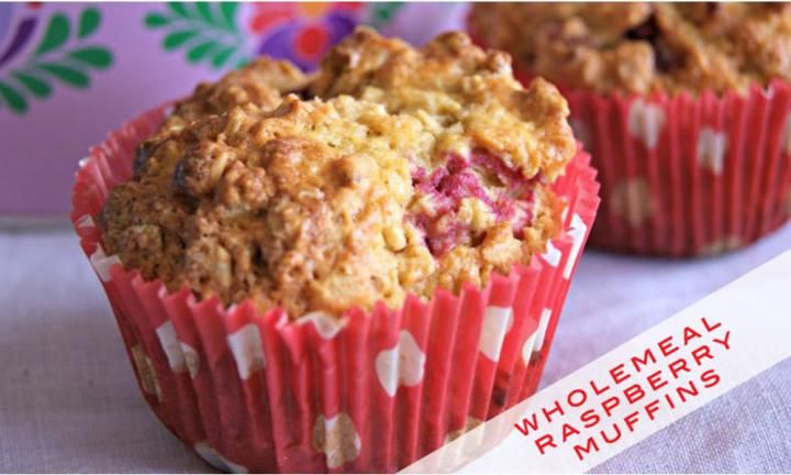Breakfast / Snack - Wholemeal raspberry and walnut muffins