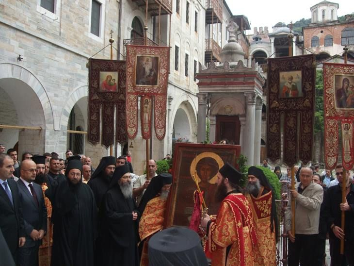Η λιτάνευση της εικόνας του αγίου Γεωργίου στην Ιερά Μονή Ζωγράφου Αγίου Όρους - The litany of the icon of St George at the Holy Monastery of Zografou on Mount Athos