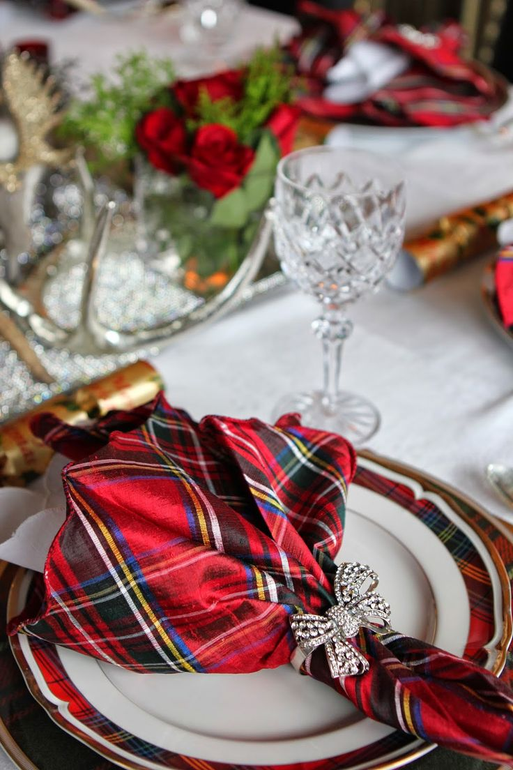 Christmas Table Setting Best 25 Christmas Dinner Tables Ideas Only On Pinterest
