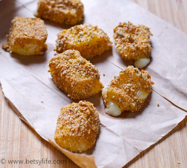 Football Food! Easy Recipes like these baked mozzarella cheese bites. Healthier than fried!