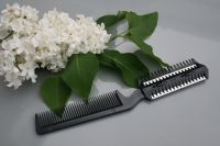 2 in 1 Razor comb + 10 Free Blades (Free Postage) - Detailed item view - Razor comb at Coyote Moon