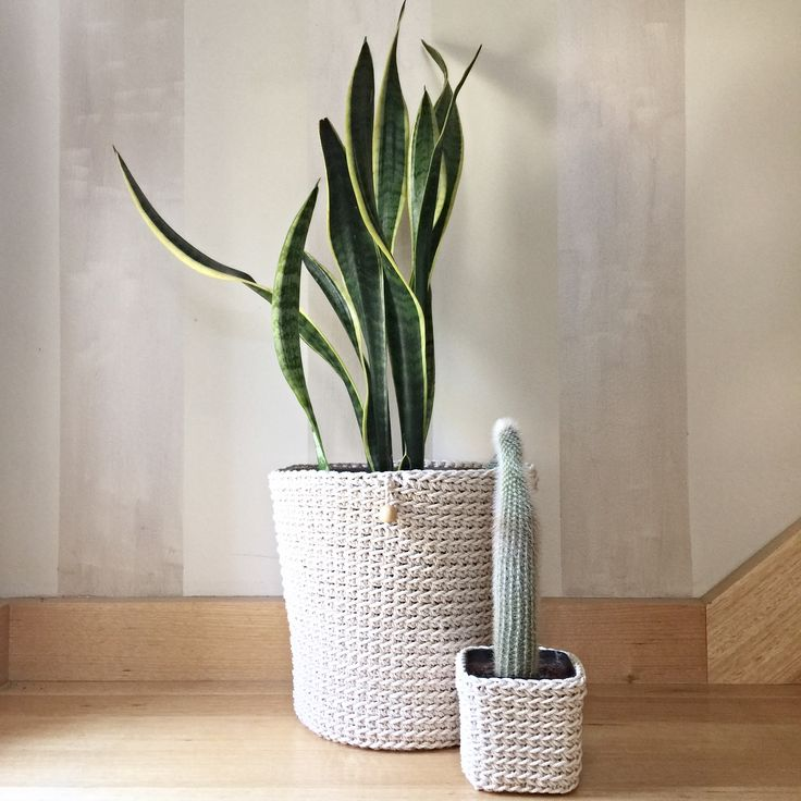 Cotton pot plant pouches, big and small, round and square!