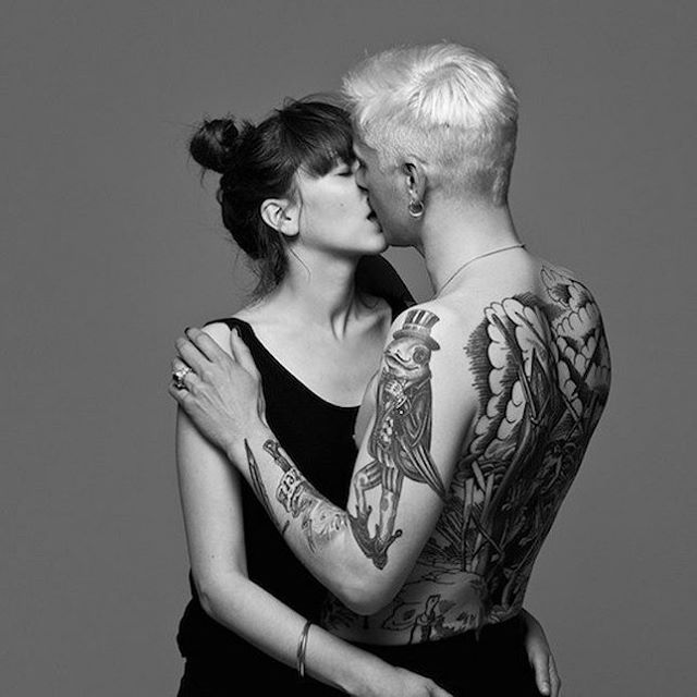 Vášnivé a romantické polibky na krásných fotografiích. Dokázal bys však rozlišit obyčejné kamarády a zamilované páry? | REFRESHER.cz
