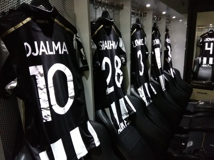 #PAOK dressing room ready for the great game against @s04_en  #PAOKS04 #ReadyToFight https://t.co/hgeXyS4TIx