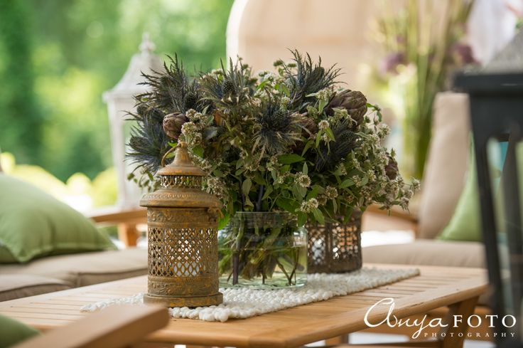 A beautiful center table piece for the outdoors | Aramat Events // Images by AnyaFoto Photography // www.anyafoto.com