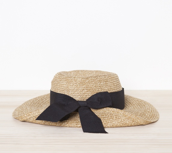 Perfect spring/ summer hat. Looks good for canoeing!