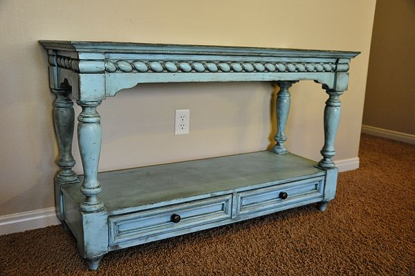 How to glaze and antique your furniture. Its really not that hard, especially if you use a primer that skips the sanding step!