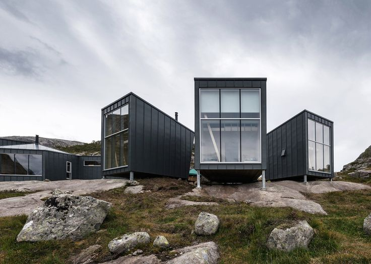 Skåpet Mountain Lodges in Soddatjørn. Architects: KOKO architects.