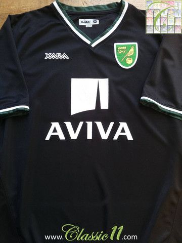 Relive Norwich City's 2008/2009 season with this vintage Xara away football shirt.
