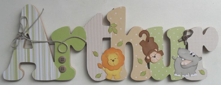 """Nome decorado em MDF e Scrap personalizado para decoração de quarto, porta maternidade, chá de bebê, festas... Tema e cores a sua escolha OBS: O valor especificado refere-se ao nome """"Arthur Safari"""" Para os demais nomes, solicite orçamento."""