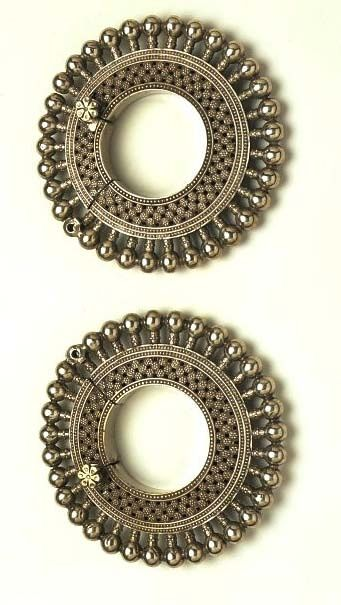 Bangles (Pair of bangles) | V&A Search the Collections