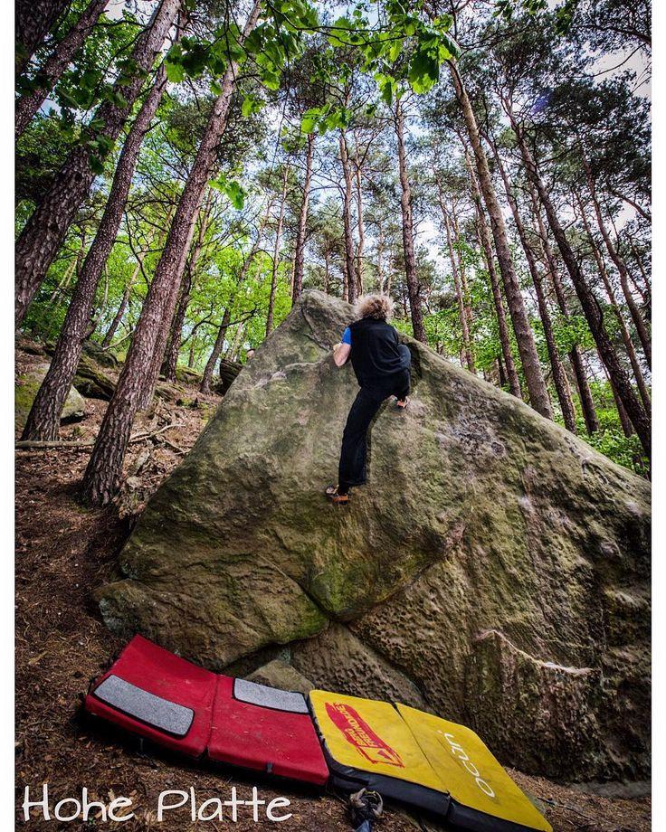 Pfalz - Haardt - Hohe Platte . Ein schönes Wochenende  . #pfalz #haardt . . . . . #bouldern #klettern #bouldering #climbing #timetoclimb #ilovebouldering #climbingphotography #bouldering_pictures_of_instagram #climbing_pictures_of_instagram  #climbing_is_my_passion #climb #escalada #photooftheday #nature #nofilter #outdoor #climbingisfun #great #love  #mainbloc