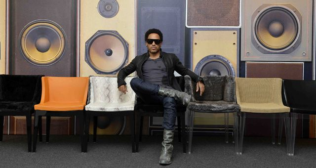 Lenny in posa sulle sue Mademoiselle, by Lenny Kravitz