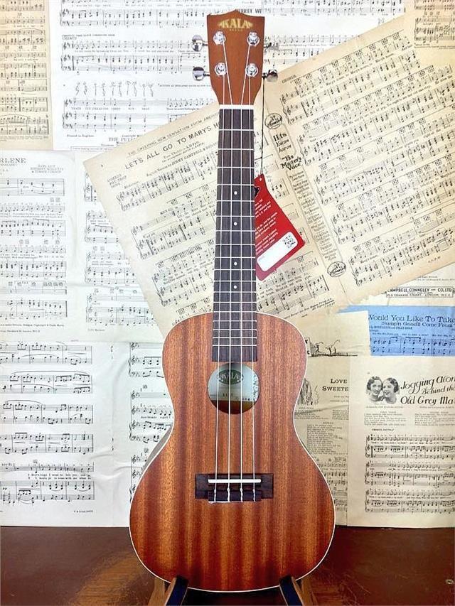 Kala KA-C Concert Ukulele All Mahogany with Aquila strings
