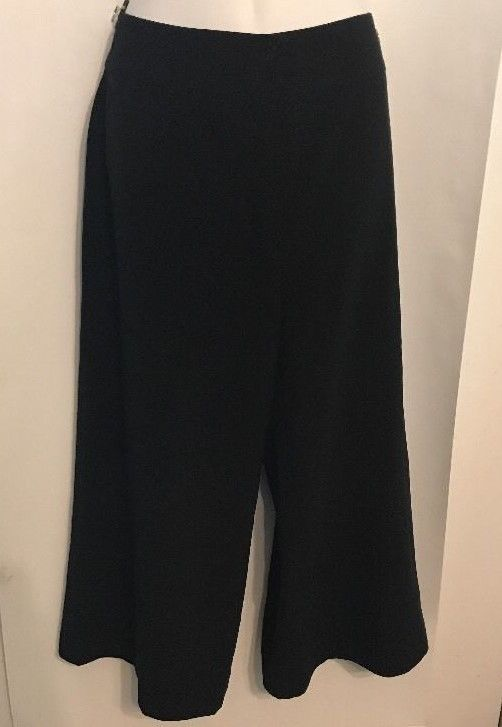 Chicos Cropped Pants Magique Garbo CP Size 1 (S-8) Black Polyester Blend NWT $78 #Chicos #CaprisCropped