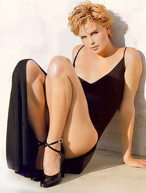 Google Image Result for http://www.instablogsimages.com/images/2008/03/04/charlize-theron-has-the-best-legs_5965.jpg