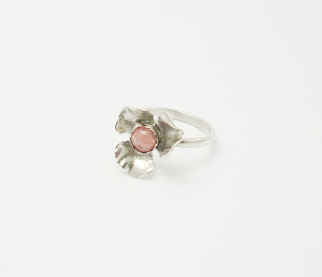 Sterling silver flower shaped ring  UK size O