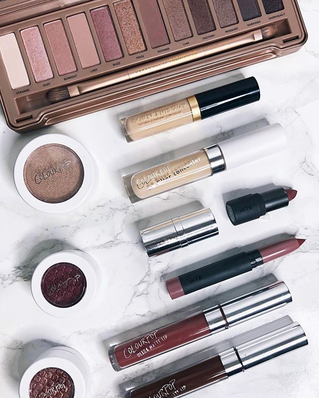 Now that January is coming to an end I wanted to share some of my favorite cosmetics I used  this month including the Naked3 palette from @urbandecaycosmetics various @colourpopcosmetics products and the @bitebeauty lipsticks from @sephoras January birthday rewards!