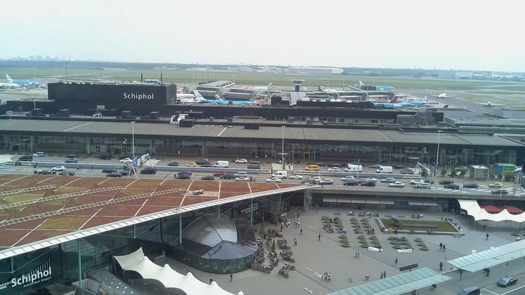Room+with+a+View+-+Sheraton+Amsterdam+Airport+Hotel+and+Conference+Center+-+Amsterdam+Airport+Cam